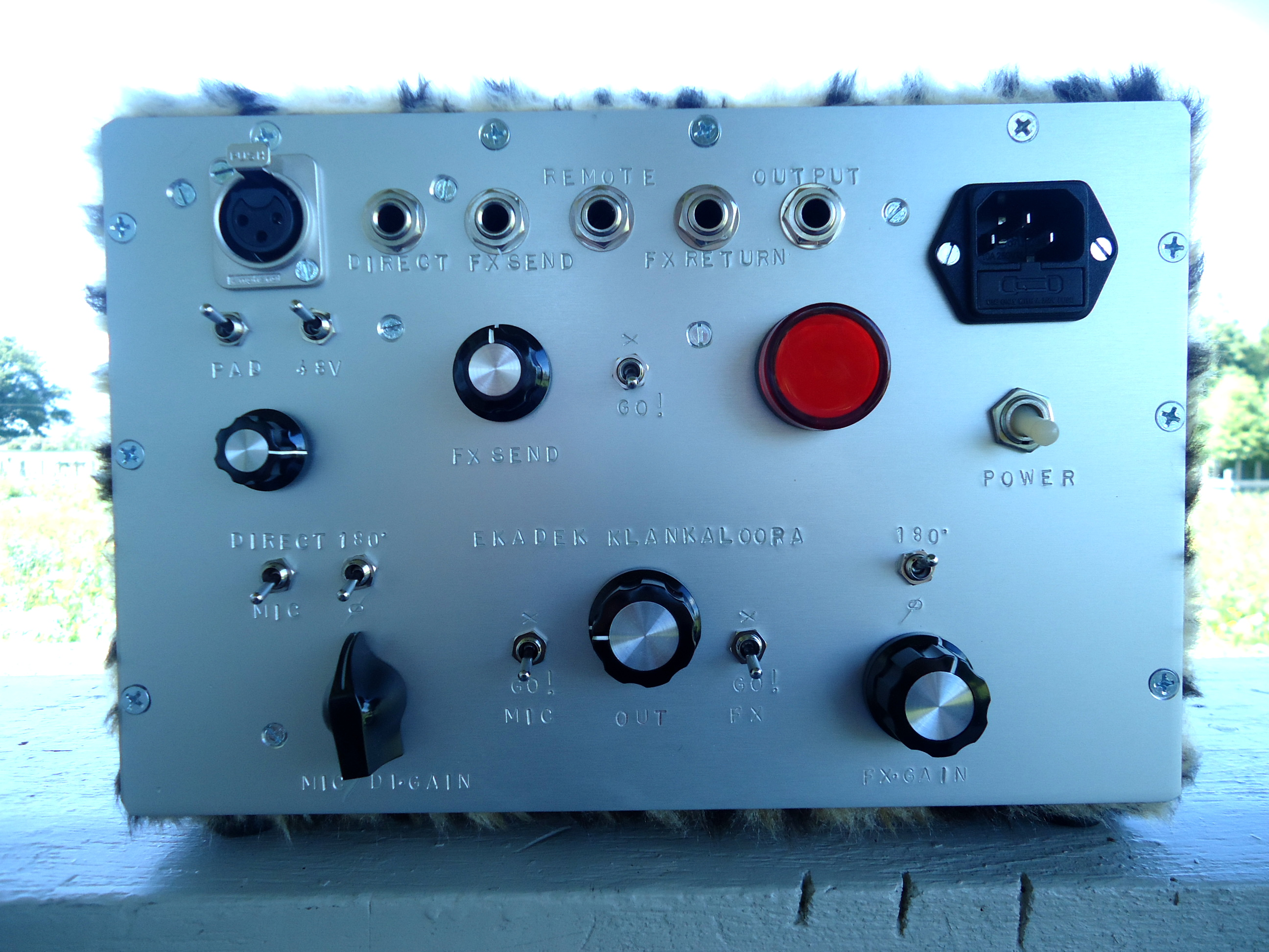 Control Room Monitor Section Ekadek Electronics Sound Single Transistor Audio Mixer Been Working On These New Standard Simple Products The Klankalooper Is A Mic Di Amp With Controlled Fx Send And Return
